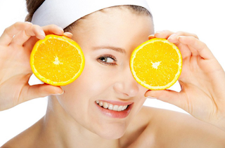Vitamin A is very essential for proper maintenance of the skin, it helps to soften the skin texture by keeping it moist. It eliminates wrinkles, age spots and reduces the signs of aging. Beta-carotene is an antioxidant that gives youthful skin while retinol is important in eliminating dead skin cells. It is believed that vitamin A helps to relieve warts, boils, rashes and carbuncles.