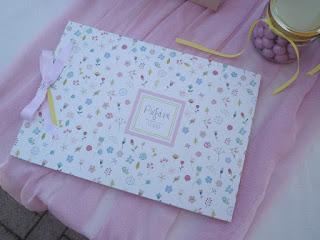 βιβλίο ευχών βάπτισης με θέμα λουλούδια λευκό ροζ κίτρινο για κοριτσάκι