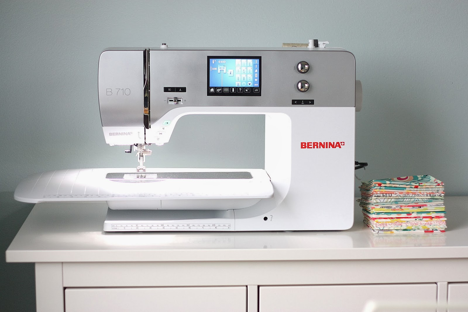 machines stitch sewing modern gray the singer p quilter quilt machine quilting white