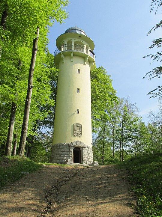 Wieża widokowa z 1911 roku na Wzgórzu Krzywoustego (375 m n.p.m.).