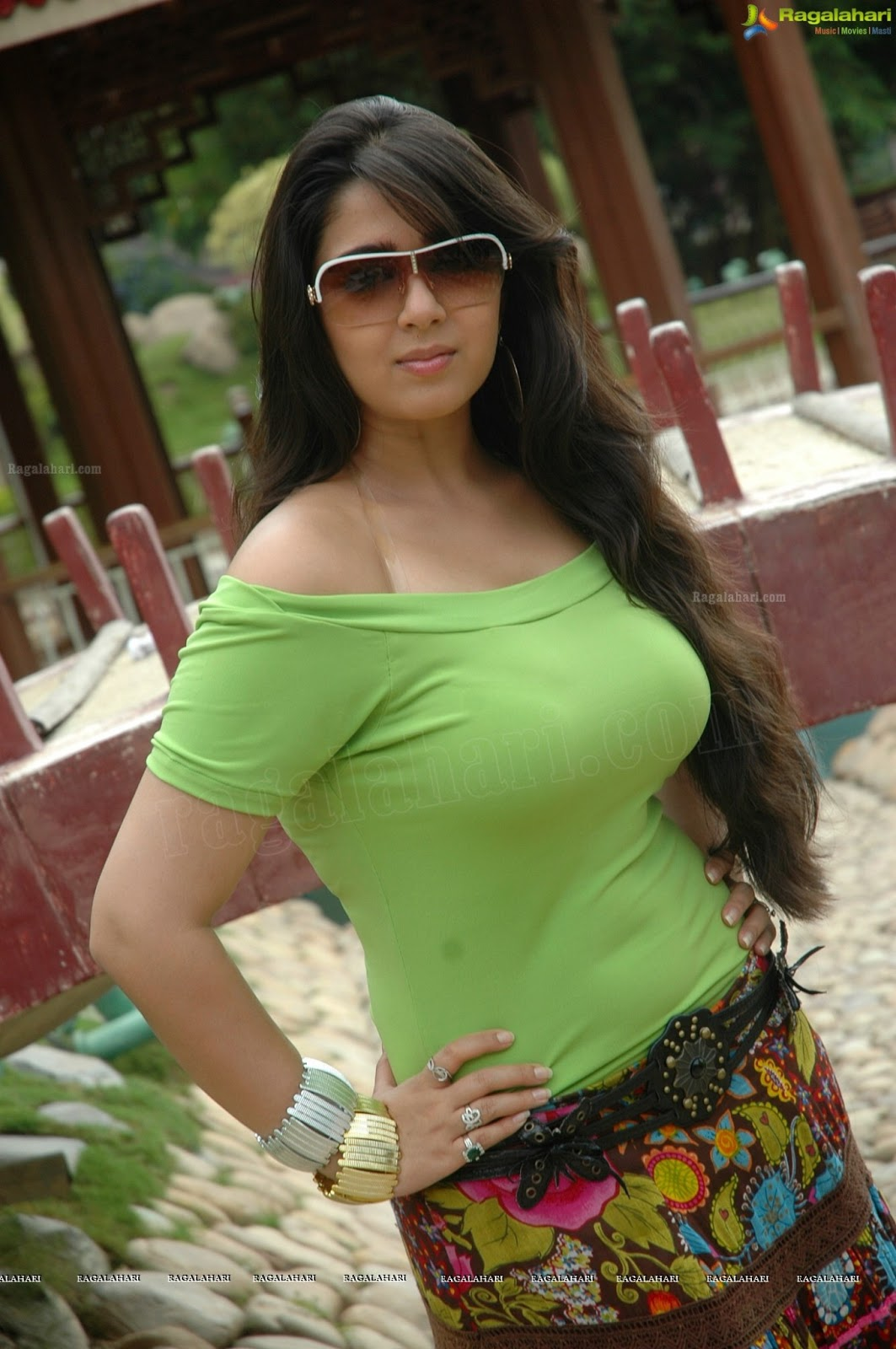 indian actress spicy pics