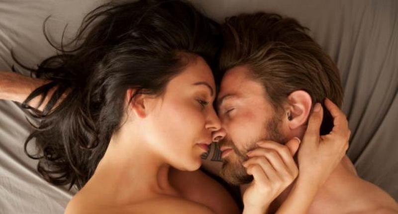 3 tanda isteri puaskan suami di ranjang tungkaran hati