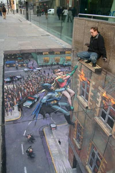Funny Amazing Street Art - Batman and Robin rescue