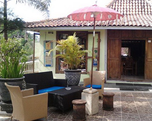 www.Tinuku.com Landscape design Kampoeng Baron restaurant, guest house, campsite and art gallery as ethnic village resort