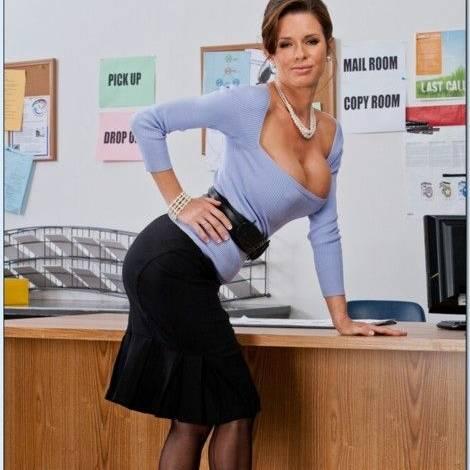 Hottest & Sexiest MILF Pornstars