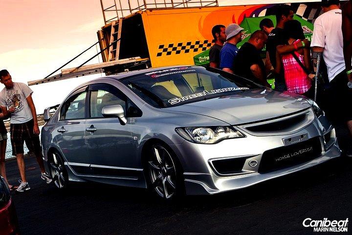 Silver Honda Civic Reborn Modified