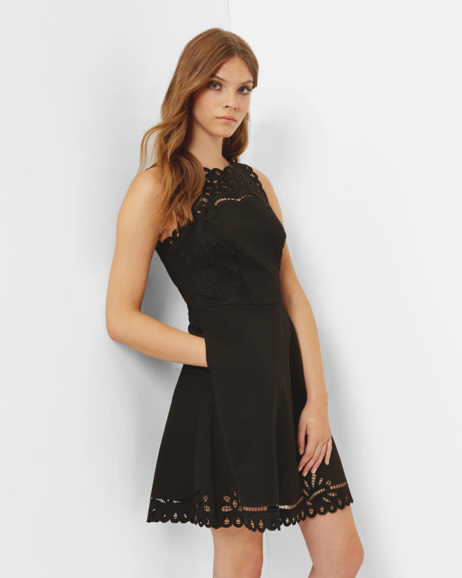 skater Dresses Upgrade your new-season wardrobe with one of Dorothy Perkins' collection of skater dresses. Flirty, fun and feminine, this all-rounder is an easy to wear style staple.