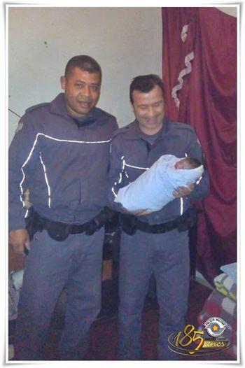 POLICIAIS MILITARES DE JUQUIÁ REALIZAM PARTO