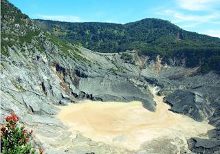 The Ratu Crater ( Queen Crater)