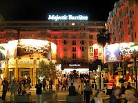 http://3.bp.blogspot.com/-YOiTc-l559M/UHsmZvVB0LI/AAAAAAAAAcc/6jsdRRWwGPw/s1600/Majestic_Cannes_2007.jpg