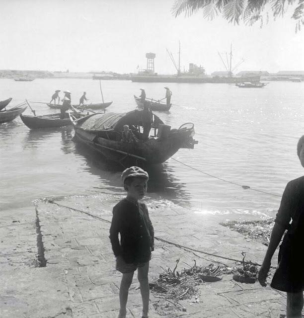 Cảnh ghe thuyền neo đậu trên sông Hàn, Đà Nẵng năm 1955