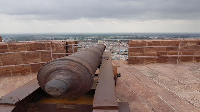 cannone sulla città