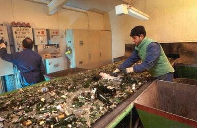Reciclaje plásticos y vidrio