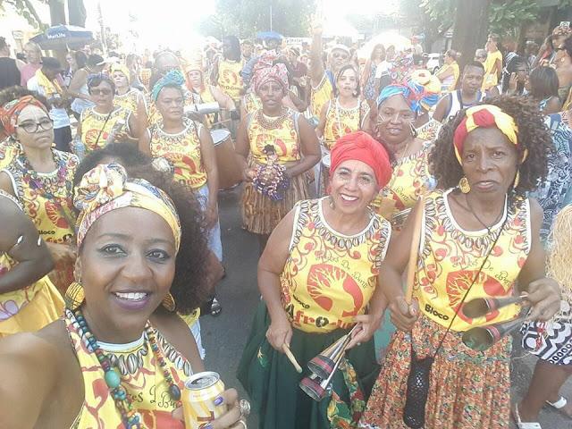Bloco AfrOdum sai as ruas de BH   com  as Raízes Do Buriti
