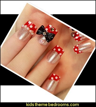 Minnie Mouse themed nails - White dot black bow false nail art