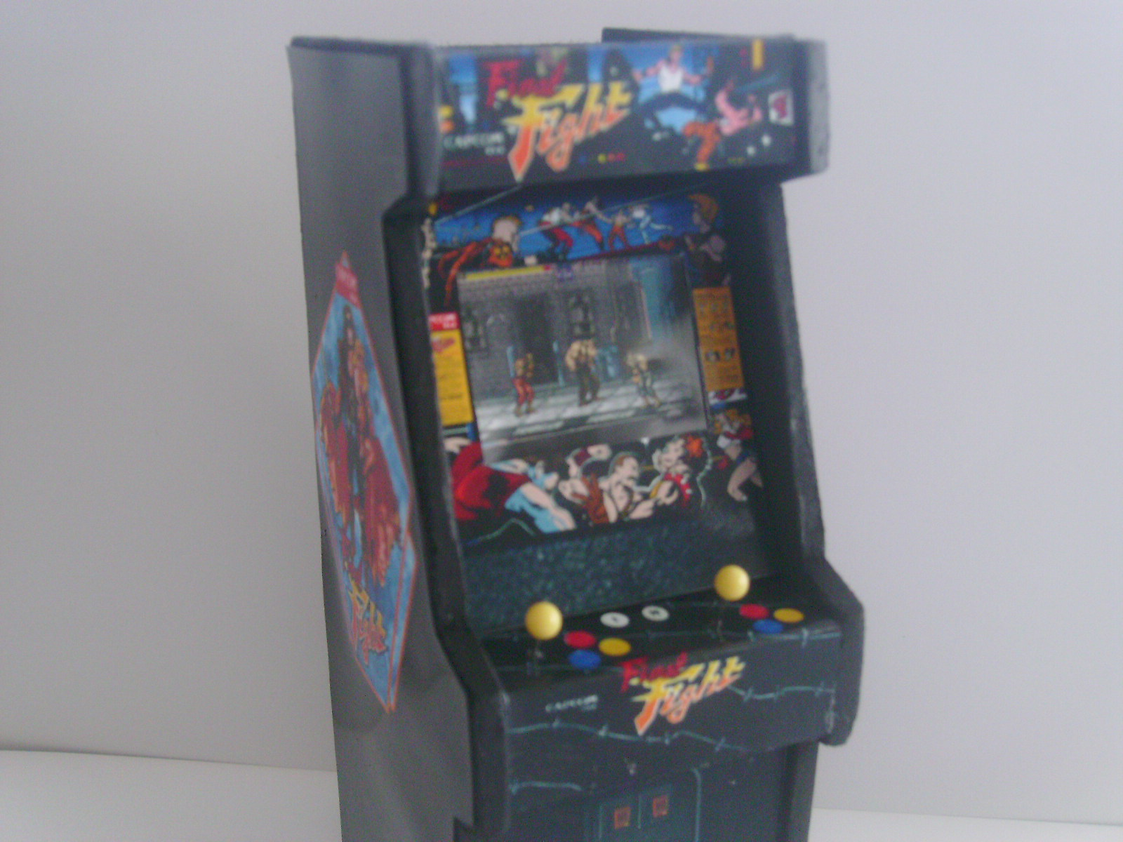 Retro Heart Final Fight Scale Arcade Model