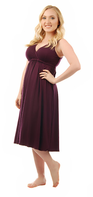 Amamante Signature Nursing Gown in Plum