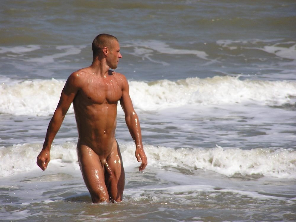 Sexy looking man funny nude pictures
