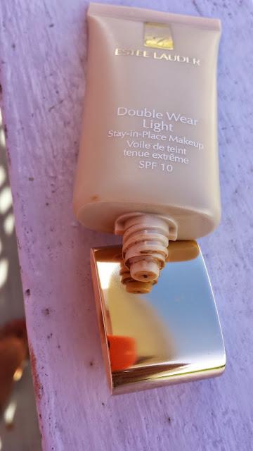 Estee Lauder Double Wear Light packaging - www.modenmakeup.com