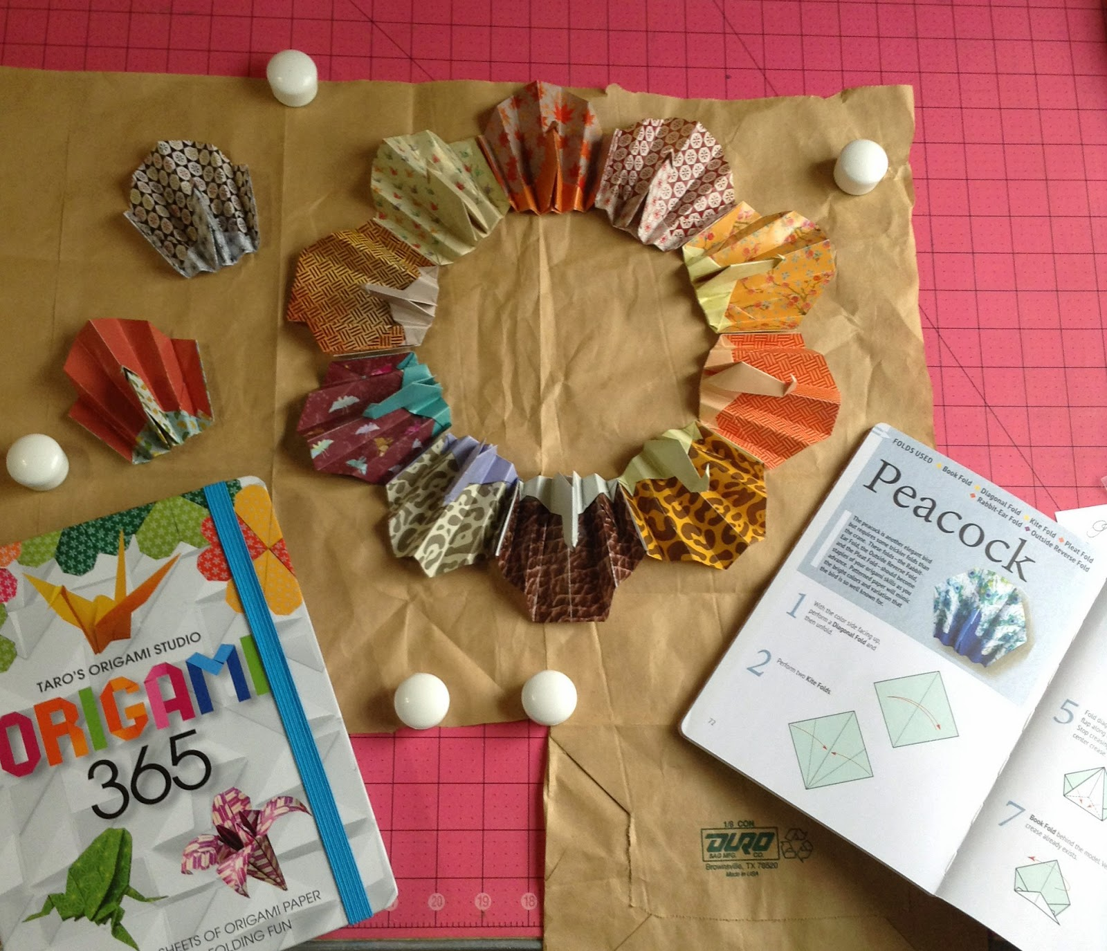 How to fold an origami turkey and make a thanksgiving wreath and how to fold an origami turkey and make a thanksgiving wreath and place card holders jeuxipadfo Image collections