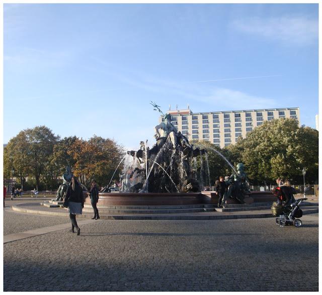 Neptunbrunnen, Berlim