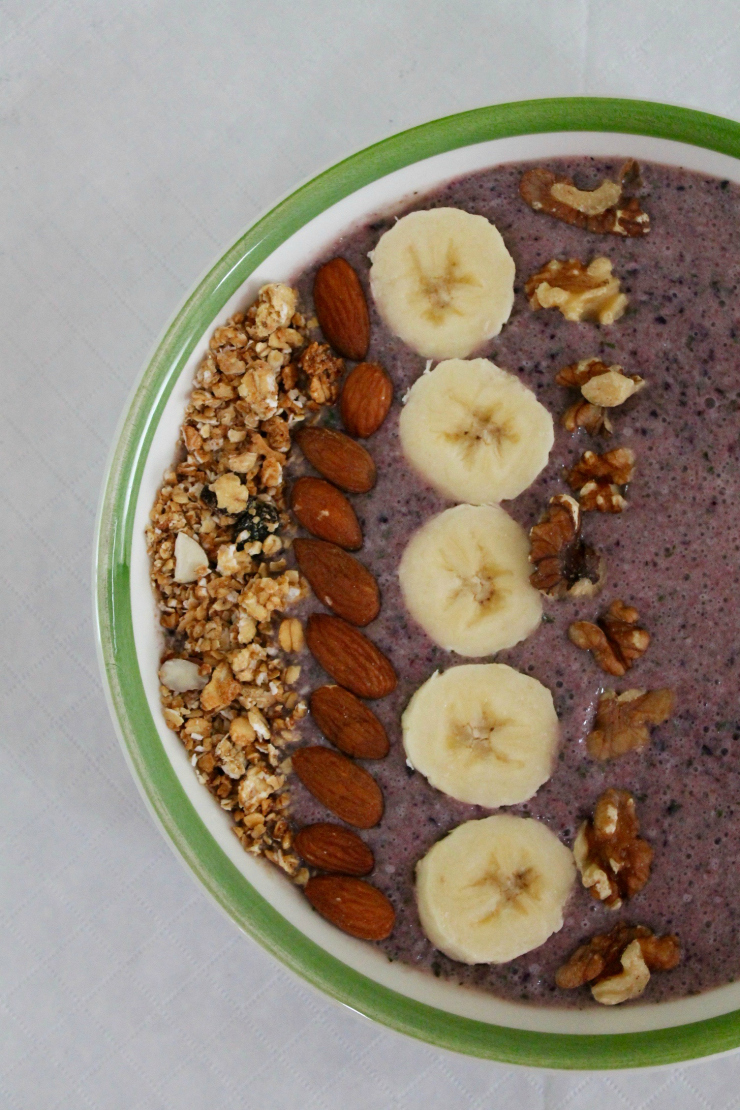 Mixed Berry + Granola Smoothie Bowl (vegan friendly)