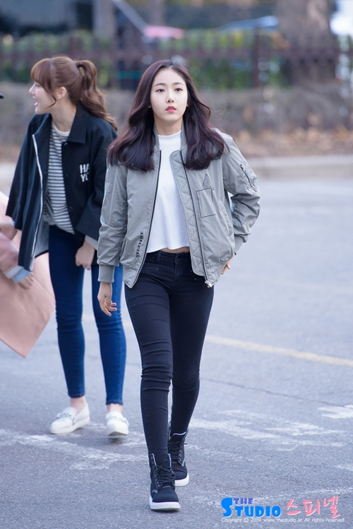 gfriend sinb airport fashion official korean fashion