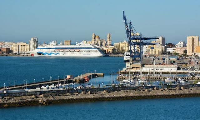 Cadiz cruise port