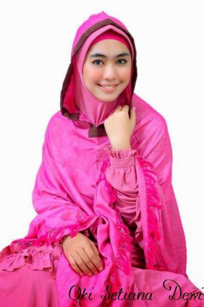 Trend model baju gamis muslim ala oki setiana dewi