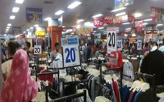 6 Alasan Orang Lebih Suka Belanja di Mal