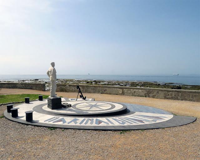 Sailor monument, Viale Italia, Livorno