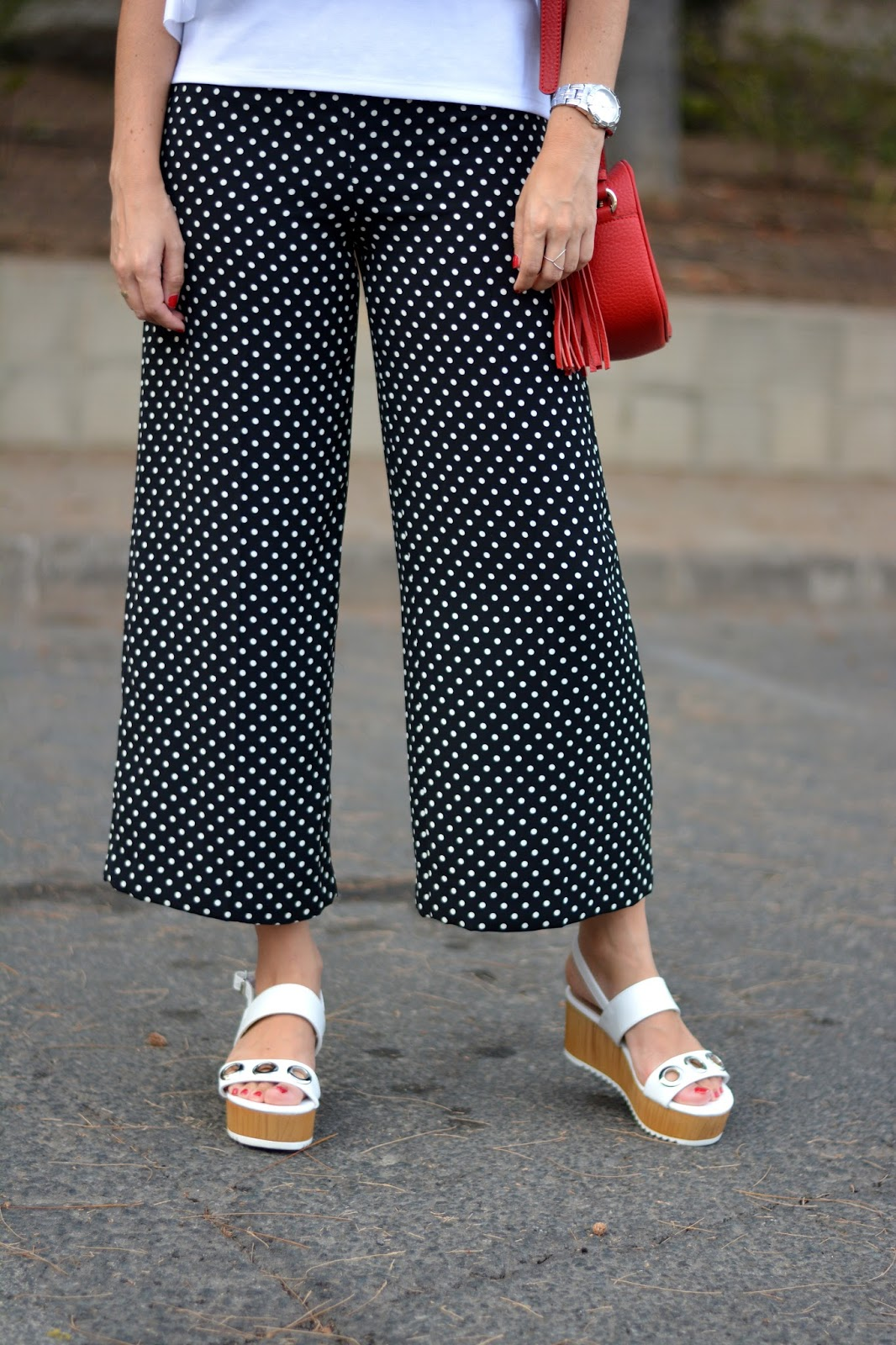 zara-polka-dots-trousers-flatform-sandals