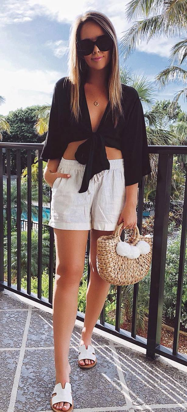 white black summer outfit idea / blouse + shorts + bag + slides