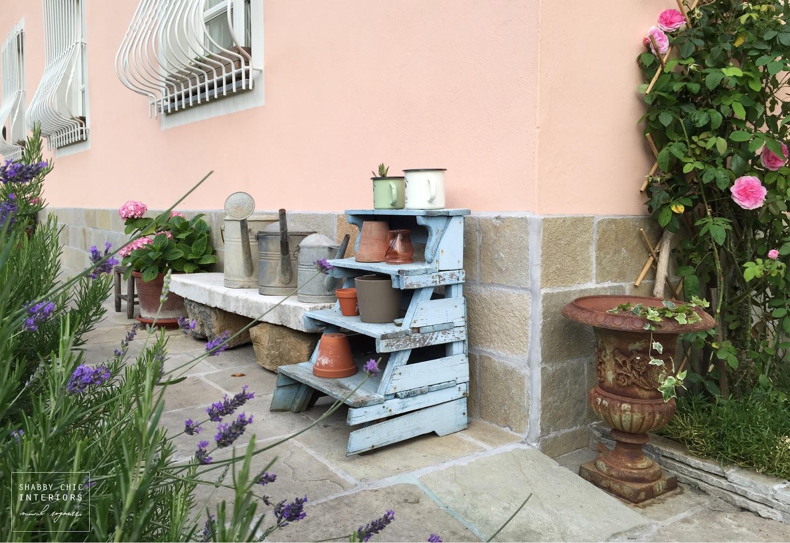 Best il mio piccolo giardino with giardini shabby chic for Idee giardino shabby