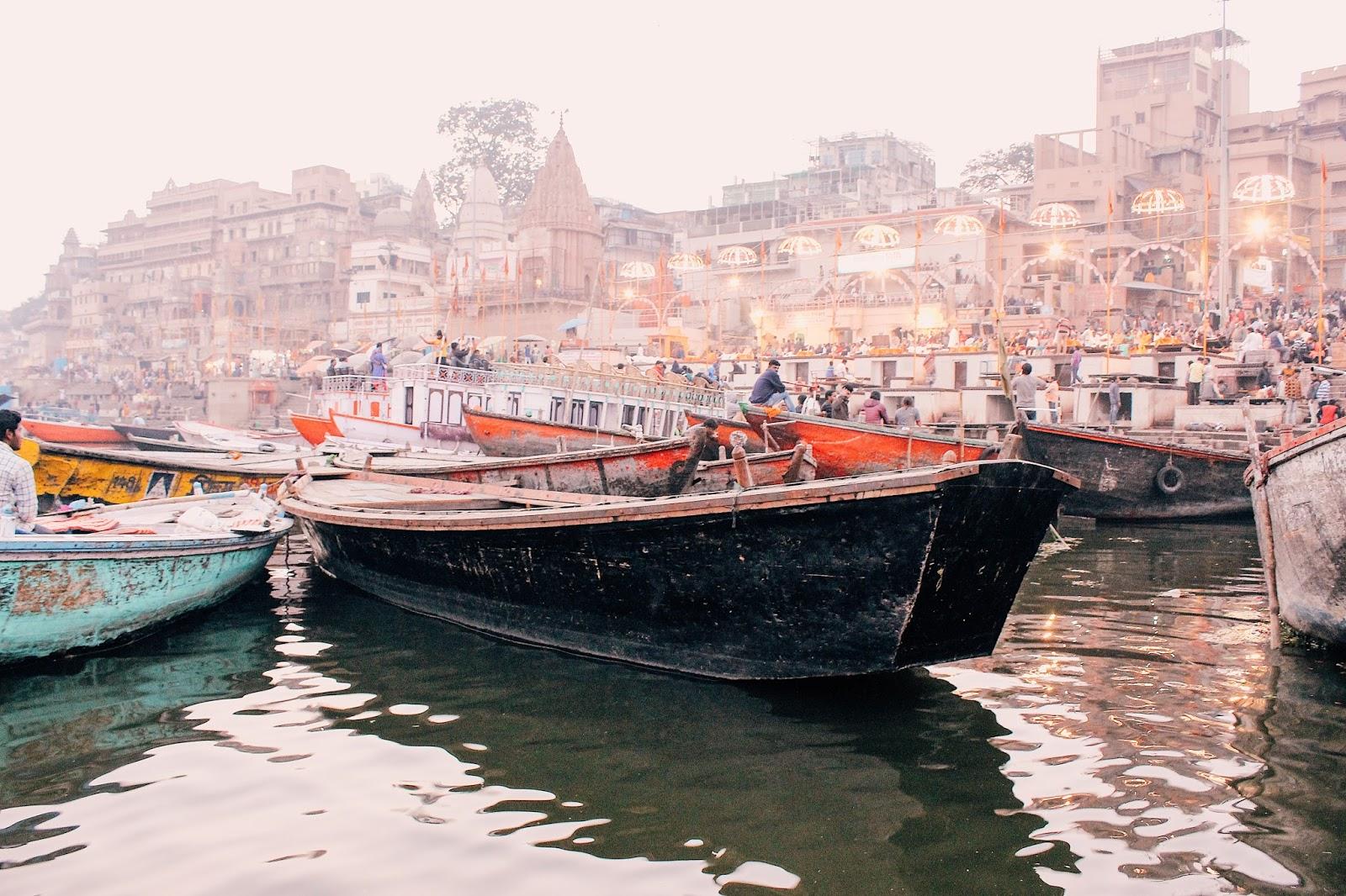 varanasi travel guide, vranasai information, tips on varanasi, travel varanasi, spiritual capital of india, city of temples, indian travel blogger, uk blog, benares travel