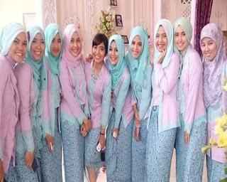 baju batik keluarga modern