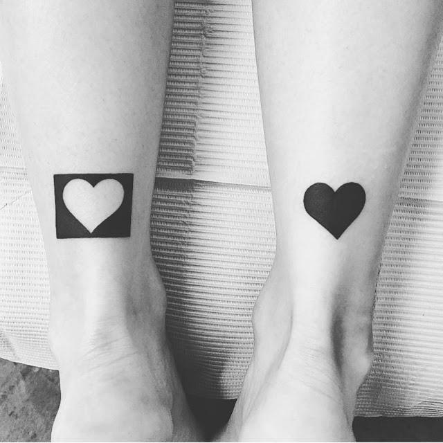 Tatuagens femininas nos tornozelos