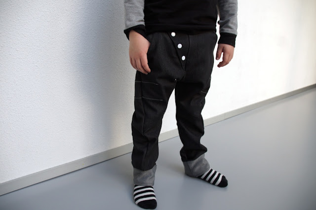 Bookfold Trousers (Madeit Patterns) sewn by huisje boompje boefjes