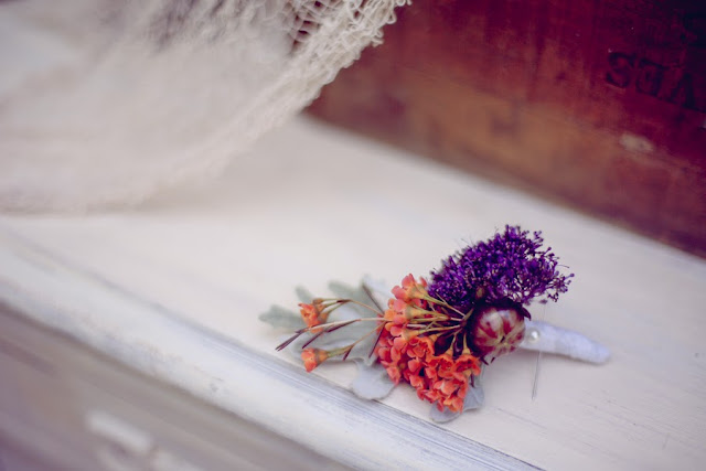 bride+groom+orange+green+violet+purple+lavender+black+halloween+wedding+october+fall+autumn+goth+gothic+day+of+the+dead+dia+de+los+meurtos+nuptials+cake+dessert+table+bridesmaid+bouquet+skeleton+skull+noir+studio+5 - The Other Side
