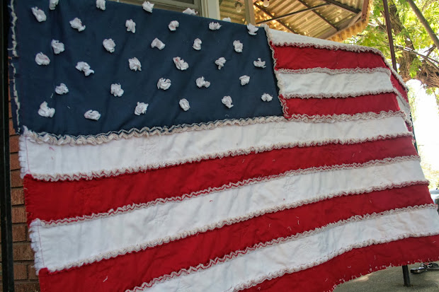 Cute Idea American Flag Rag Quilt