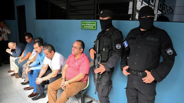 Dictan orden de detención para el expresidente salvadoreño Mauricio Funes