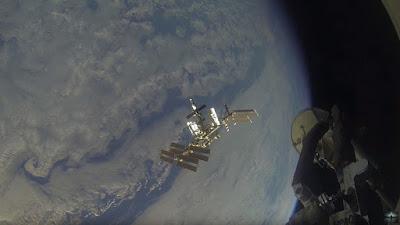 imagen de la atmósfera de la tierra tomada desde la estación espacial internacional