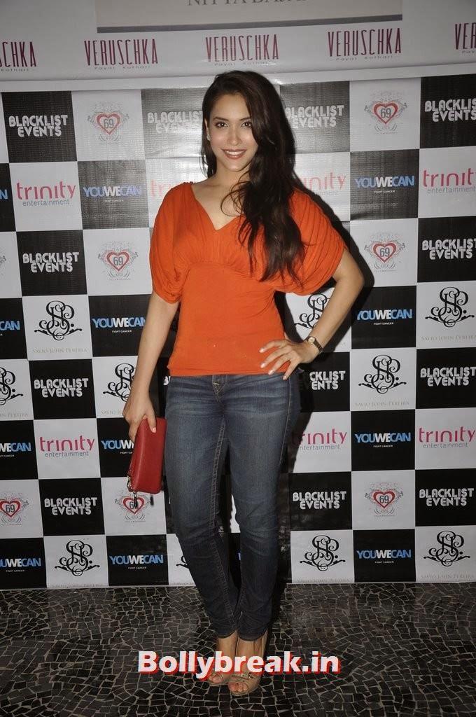 Rashmi Nigam, Gauahar Khan, Kushal Tandon, Sonal Chauhan & Karishma Tanna Snapped at Nitya Bajaj Fashion Show