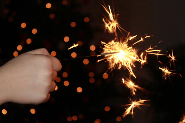 Feuerwerk Wunderkerzen New Years eve with kids