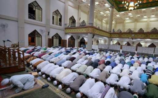 Shalat Tarawih Berjama'ah Di Masjid