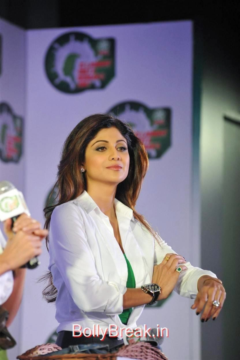 Shilpa Shetty Pictures, Shilpa Shetty Hot Pics in Skirt  At Ariel Promotional Event National Survey