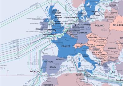 كابلات الانترنت التي تعبر المحيطات