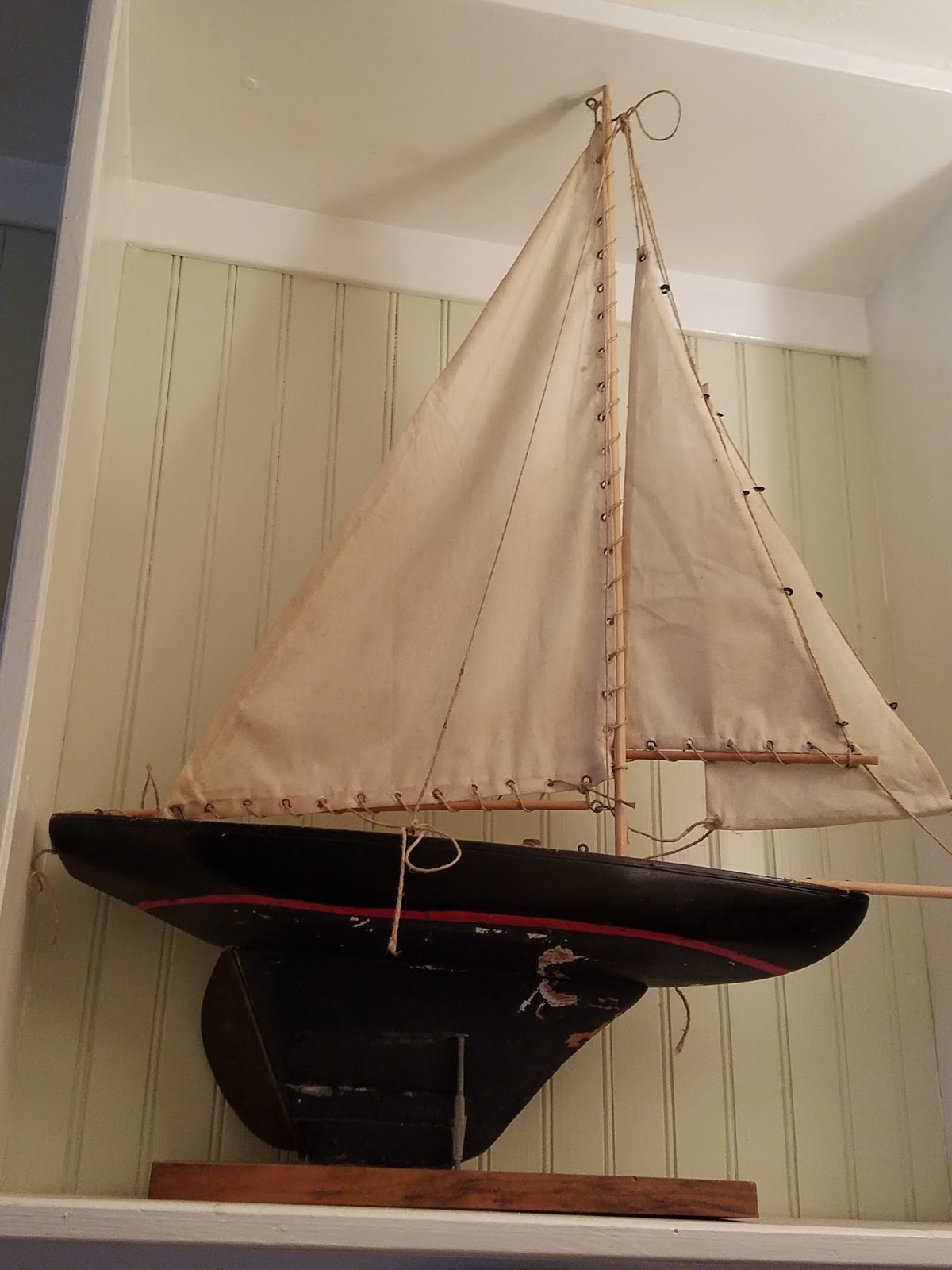 Windmill Farm: Collections of Antique Pond Model Yacht