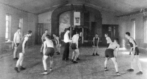 Primeros juegos de baloncesto