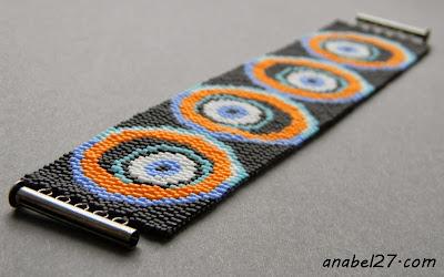 мозаичный браслет из бисера с глазами украшение